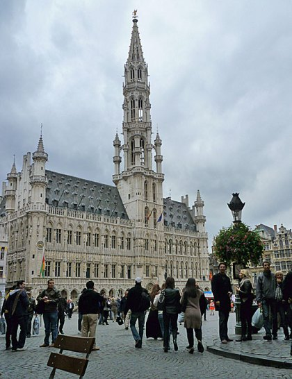 Hotel de Ville, Grand Place, after the marathoners had headed home.